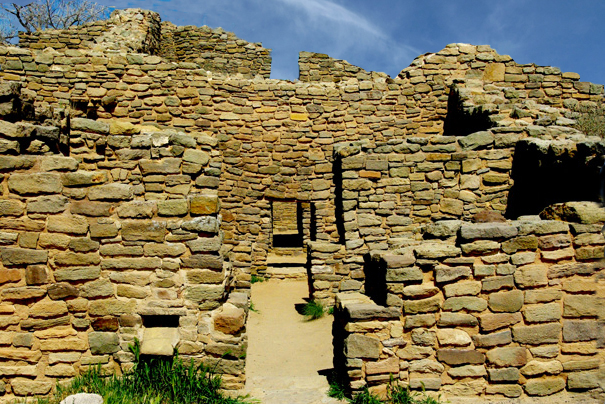 Bult after the collapse of Chaco Canyon