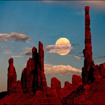 Yie Bi Chie - Monument Valley